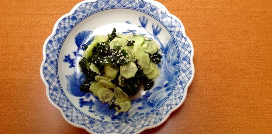 Japanese seaweed and cucumber super-salad